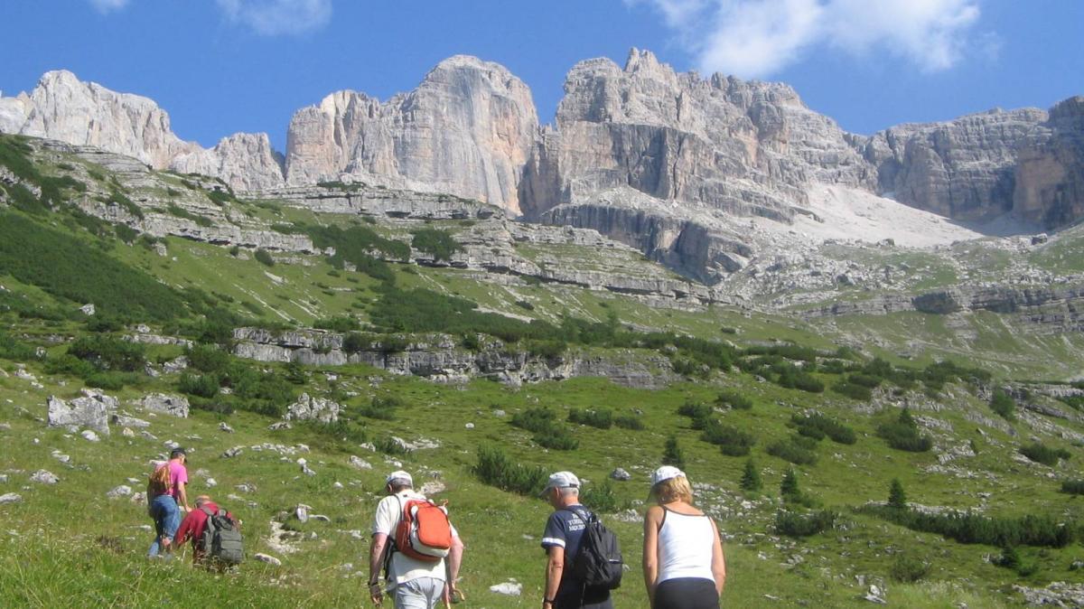 trekking-comano-3,945.jpg?WebbinsCacheCounter=1